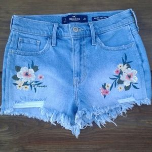 NWOT Floral High rise Hollister Shorts